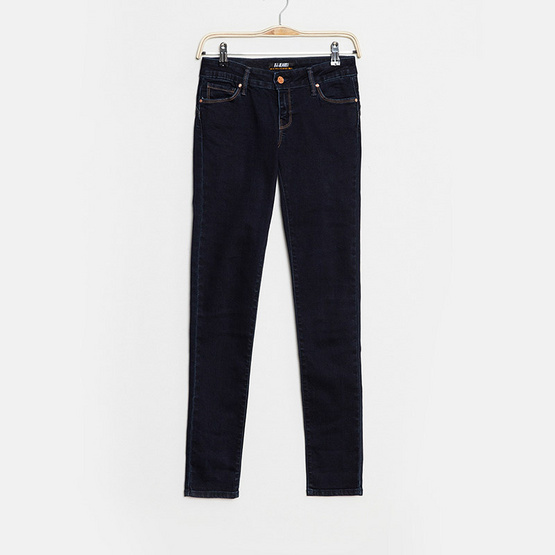 BJ Jeans กางเกงยีนส์ Solid-rinsed Push-up Low-rise Skinny