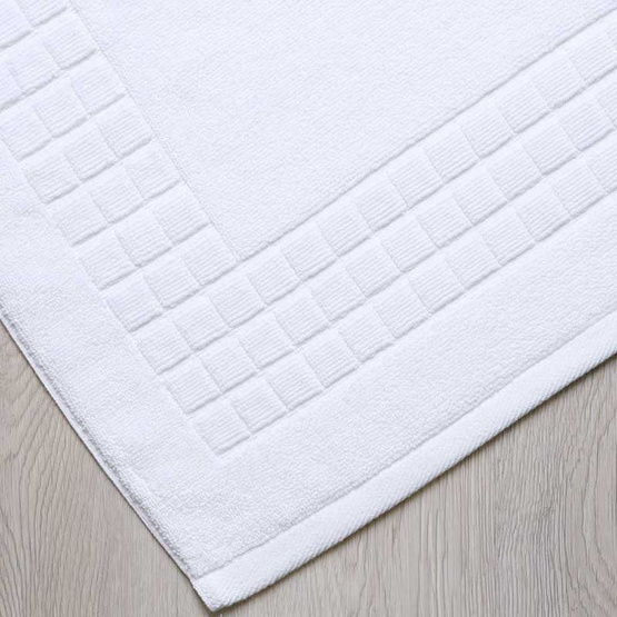 Behome ผ้าเช็ดเท้าลาย Cube สีขาว (White)