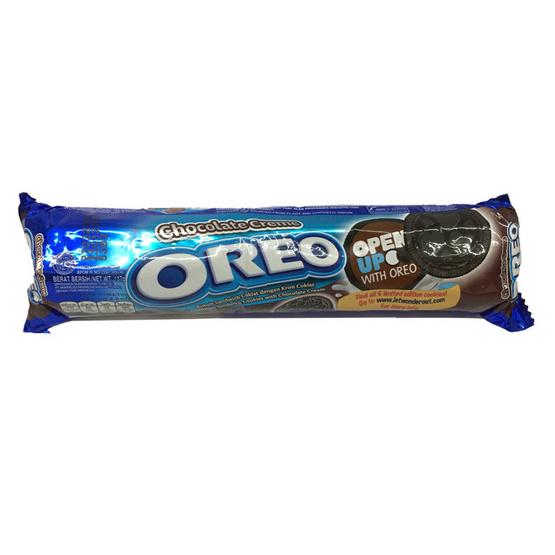 Oreo โอริโอ คุกกี้แซนวิชรสช็อกโกแลต สอดไส้ครีมช็อกโกแลต ขนาด 137 g. (6 ชิ้น)