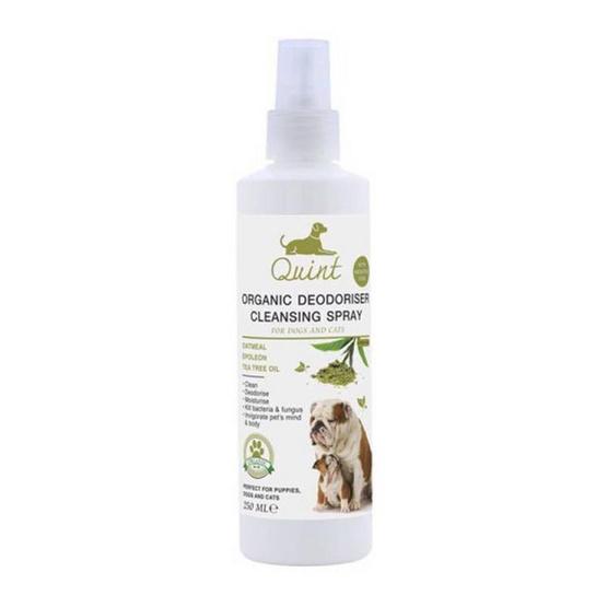 Quint สเปรย์ทำความสะอาดสำหรับสุนัขและแมว กลิ่นชาเขียว 250 ml.