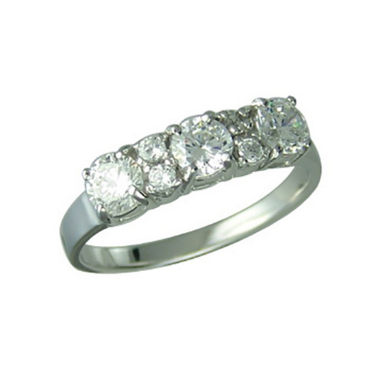 Winnie Jewelry แหวนเพชร 3 เม็ด