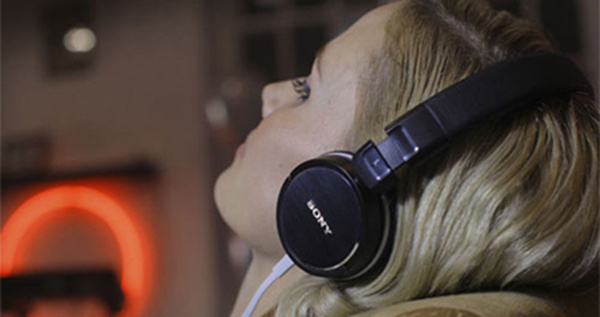 Sony หูฟังแบบมีไมค์  MDR-ZX310AP