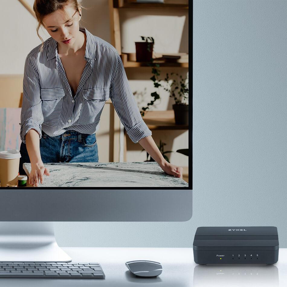 Zyxel GS-105S v2 5-Port Desktop Gigabit Ethernet Media Switch 02