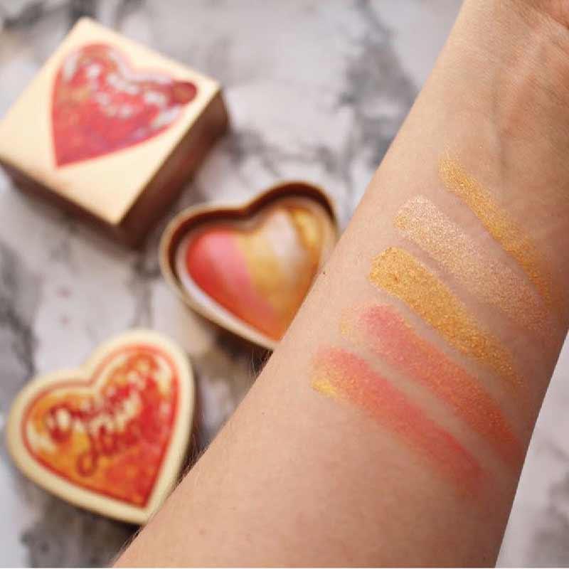 05 Makeup Revolution ไฮไลท์เตอร์ (I Heart)