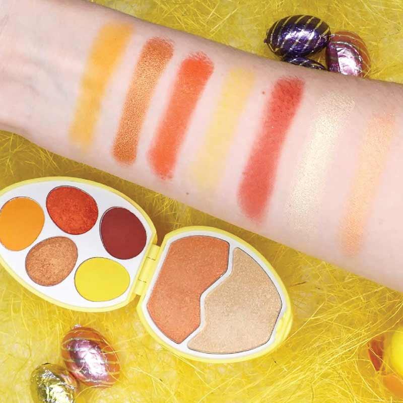 03 Makeup Revolution พาเลทแต่งหน้า I Heart Egg