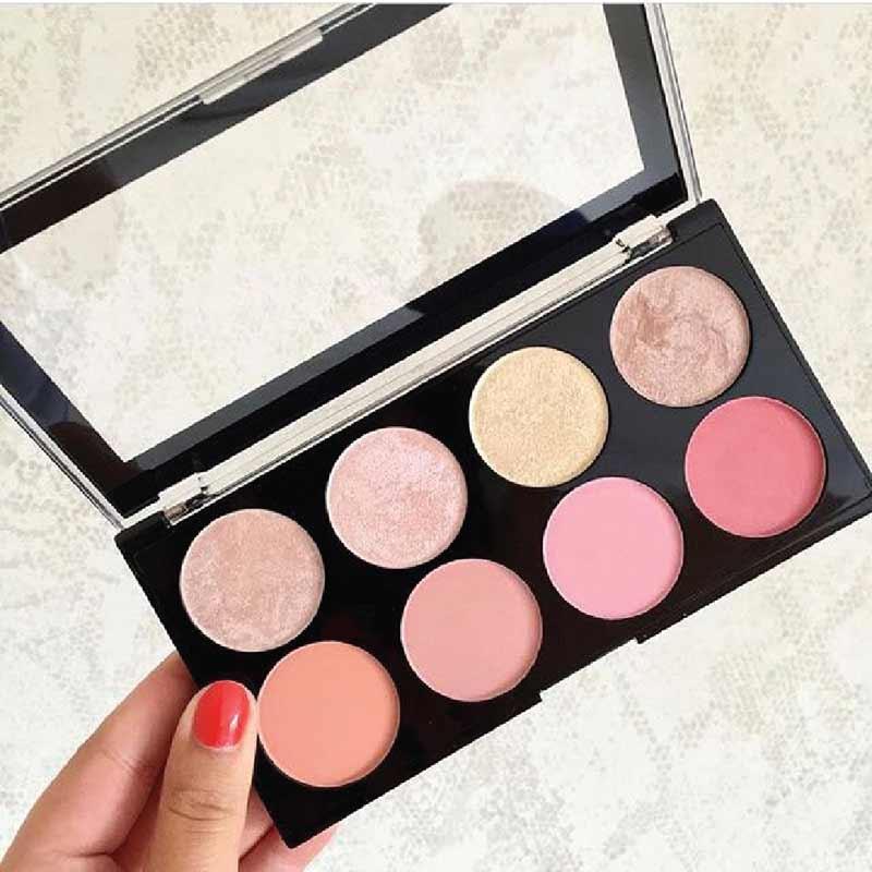02 Makeup Revolution บลัชออน Palette