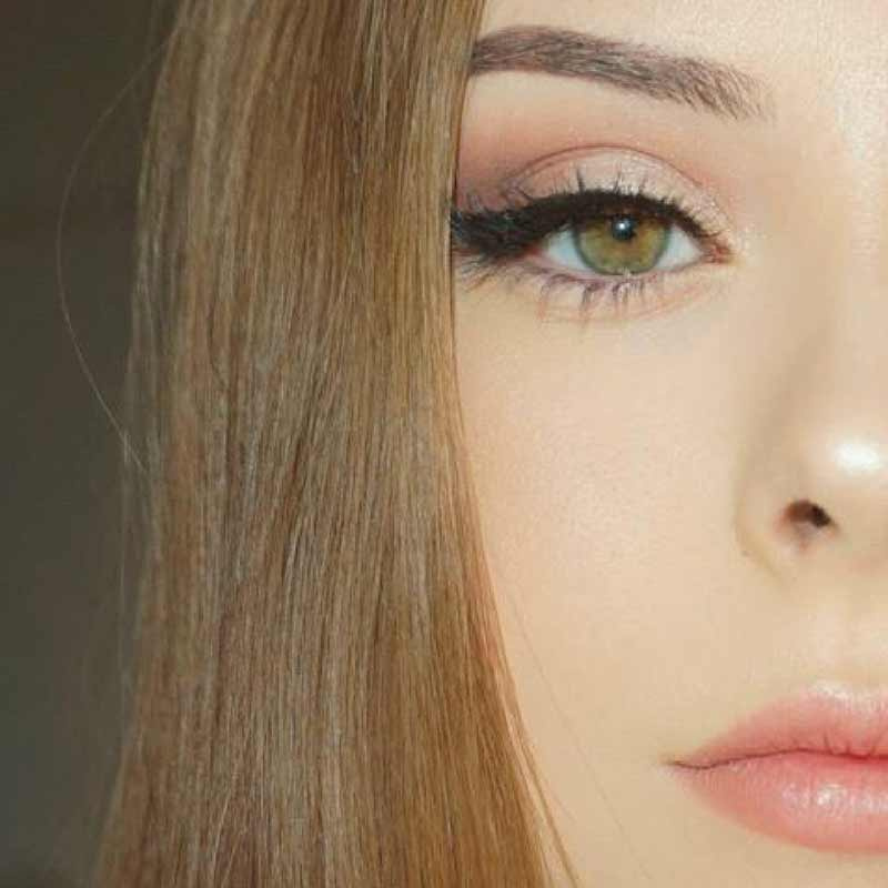 03 Makeup Revolution อายแชร์โดว์ (32Ultra)