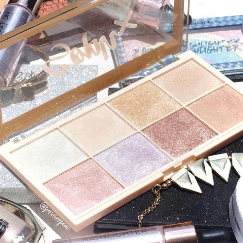 01 Makeup Revolution ไฮไลท์ Soph X Highlight