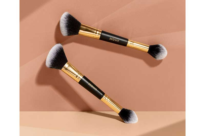 01 Browit Professional Duo Highlight and Contour Brush