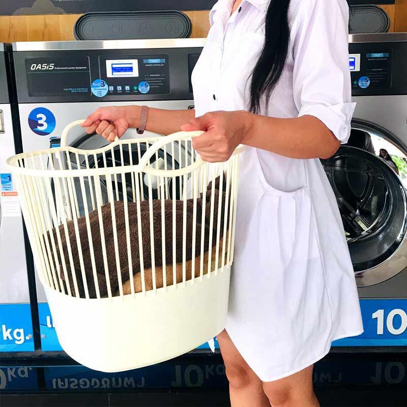 J.C.J. ตะกร้าพลาสติก มีระบาย ตะกร้าผ้าทรงสูง มีหูจับ รุ่น 2160