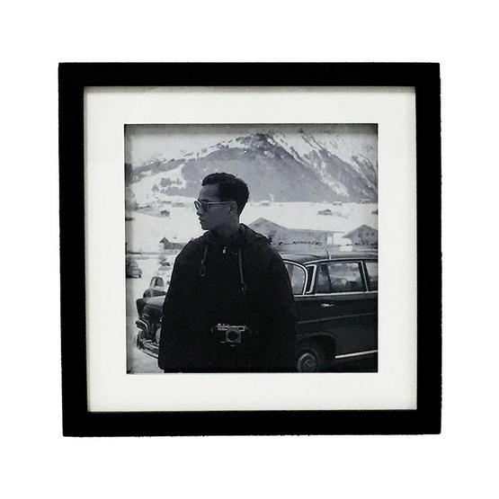 M Collection กรอบรูปในหลวง ร.9 31x31 ซม. M.5003