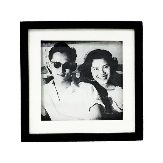 M Collection กรอบรูปในหลวง ร.9 31x31 ซม. M.5010