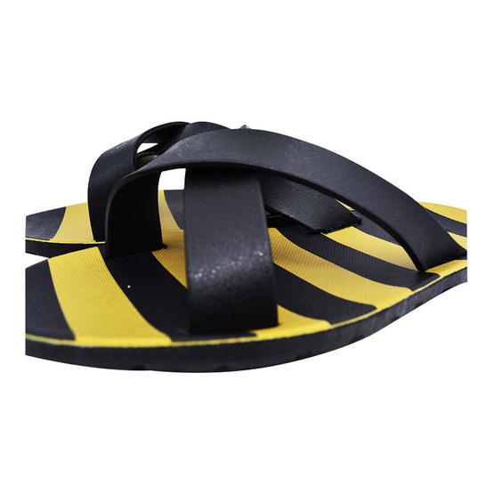 BlackOut รองเท้า รุ่น Cross สีดำ
