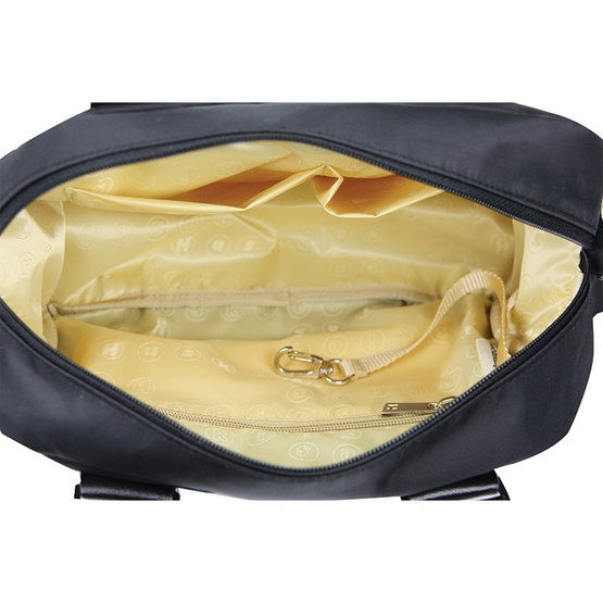 Huskies กระเป๋าสะพายแฟชั่น รุ่น HK 02-725 BL สีดำ