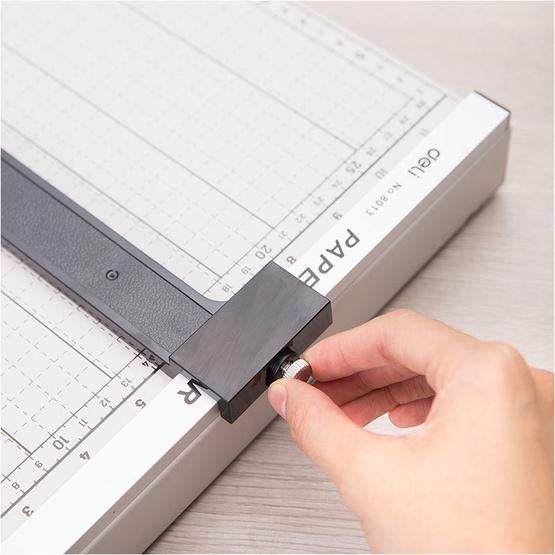 Deli 8013 แท่นเหล็กตัดกระดาษ ขนาด 15x12 นิ้ว