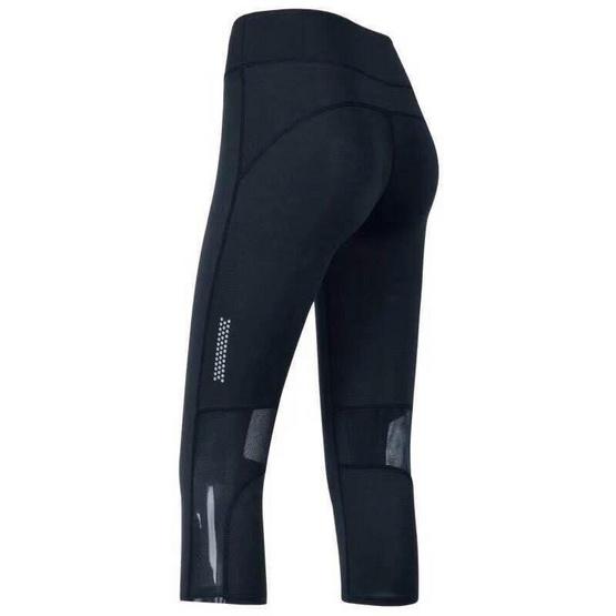 กางเกงออกกำลังกายขาสามส่วน