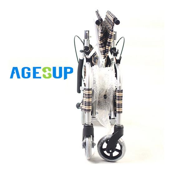 Agesup รถเข็นวีลแชร์ขนาดเล็ก สำหรับผู้ป่วยและคนชรา พับได้แบบพกพา สีน้ำตาลลายสก็อต รุ่น SM-101