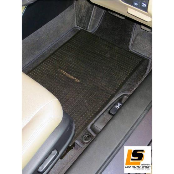 LEOMAX แผ่นเรียบปูพื้นรถยนต์พลาสติก PVC รุ่น Ruby ใหญ่ 47 x 63 ซม. พร้อมปุ่มจิกพื้น (สีดำใส)