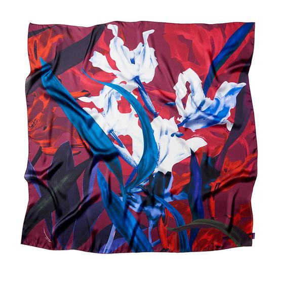 ผ้าพันคอ silk satin ออกแบบโดย Vatanika