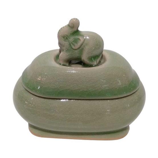 ตลับวงรี จุกช้างหมอบชูงวง เคลือบสีเขียว