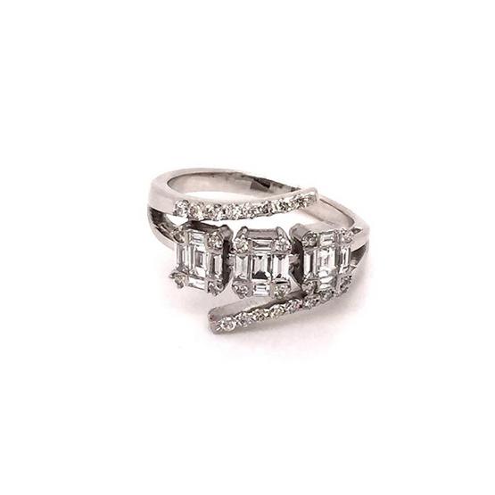 Madam classic แหวนประกบTapper3กระจุกเรียง [MCD023WG54]