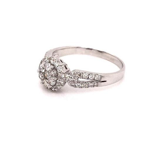 Madam classic แหวนกระจุกกลมกลางล้อม [MCD025WG54]