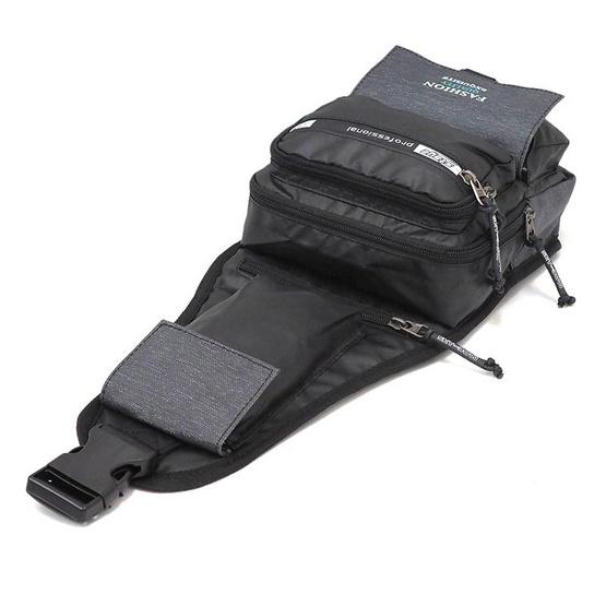 HQ LUGGAGE กระเป๋าคาดอก กระเป๋าสะพายพาดลำตัว Sky-bow รุ่น 9932 (สีดำ)