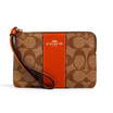 COACH 58035 CORNER ZIP WRISTLET IN SIGNATURE CANVAS (IMQRF)